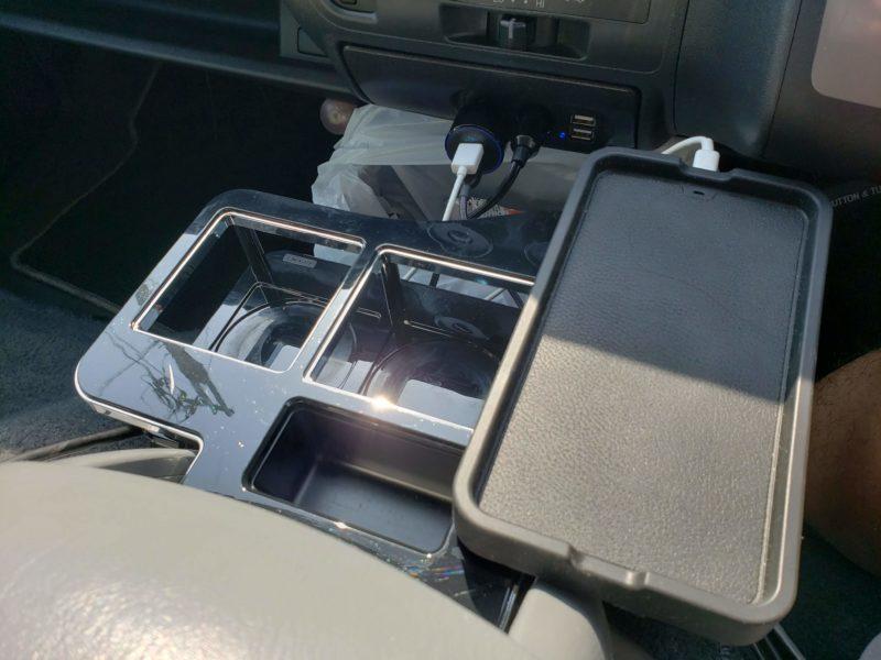 カーメイト 車用 ドリンクホルダー コンソールテーブル ハイエース用 ブラック NZ516